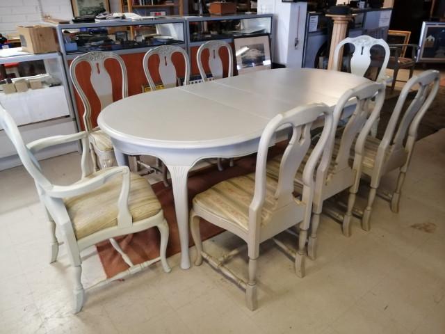 Asko Talonpoikaisrokokoo pöytä ja 8 tuolia