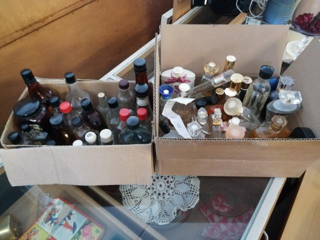Vahoja Pulloja ja Hajuvesipulloja