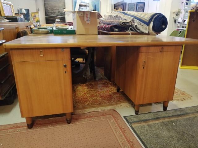 Funkkis kirjoituspöytä