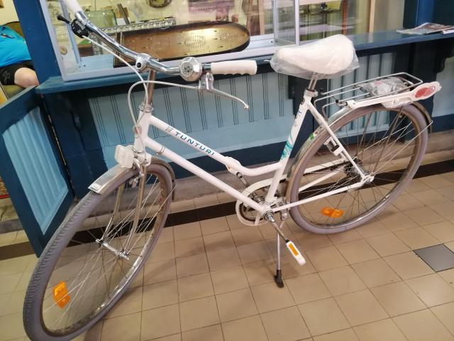 Uusi käyttämätön Suomalainen Tunturi Vip Naisten polkupyörä 1990 luvulta