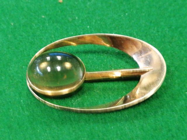 Kultainen rintaneula