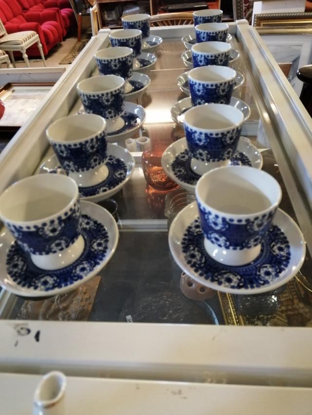 Arabia Ali Jalallinen Kahvikuppisarja  24 osainen