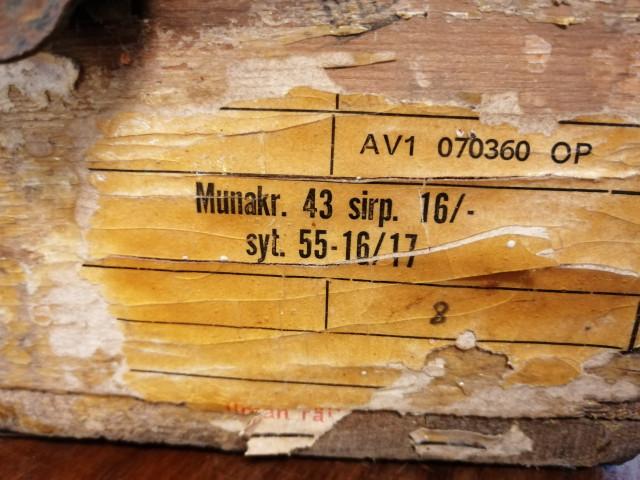 Munakäsikranaattilaatikko 1940 luvulta
