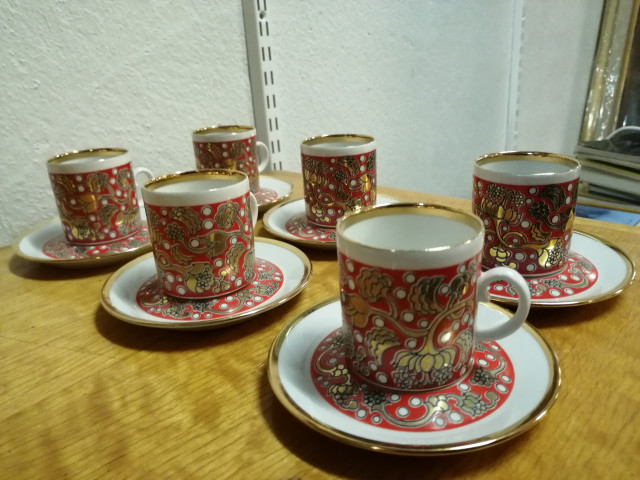 Arabia Iiris kahvikuppisarja