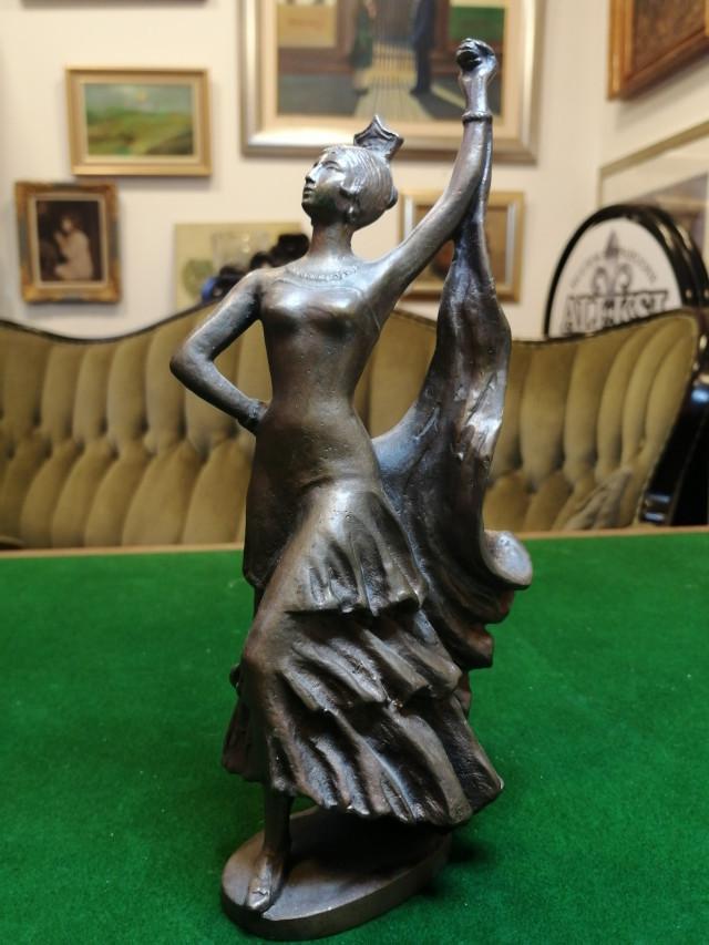Pronssipatsas Venäjä/Russia bronze statue