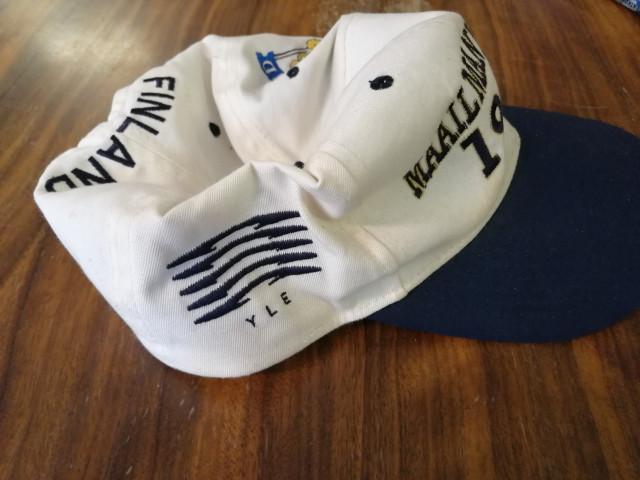 Jääkiekon Maailmanmestari 1995 hattu signeerattu