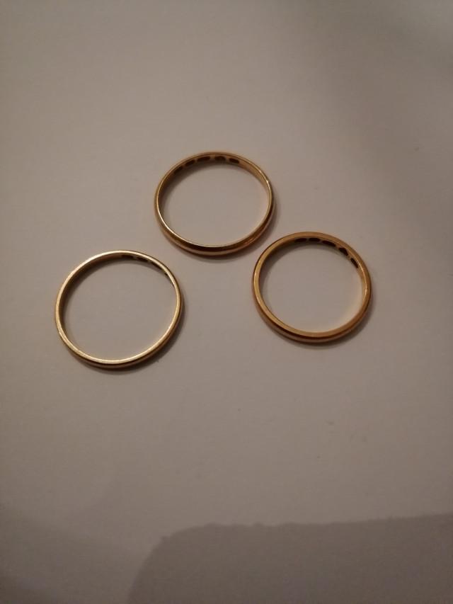 Kultaiset sormukset 3kpl