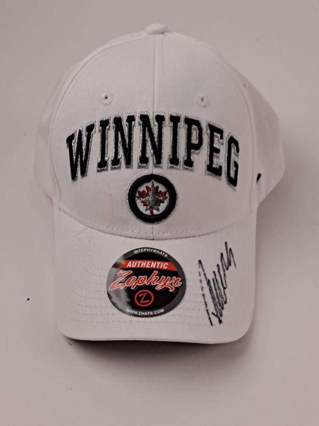 Lippalakki Patrik Laine Winnipeg Jets signeerattu