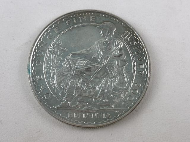 Hopeinen 2 punnan kolikko 2005