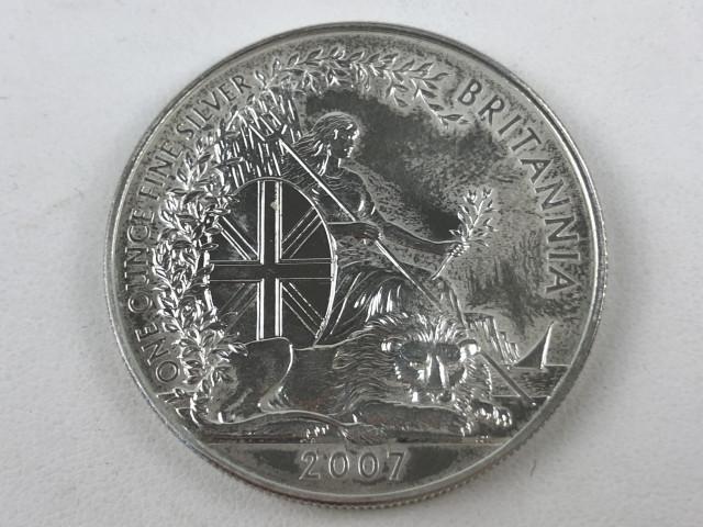 Hopeinen 2 punnan kolikko 2007