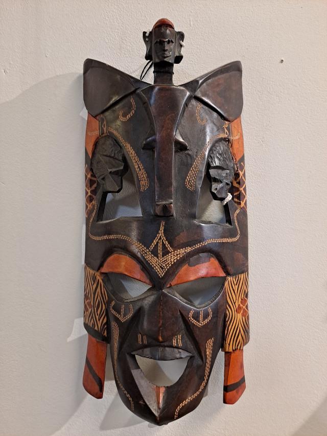 Ghanalainen puu naamio puu/helmet