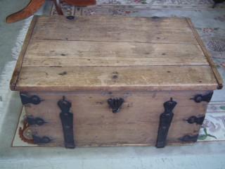 Tasakantinen Arkku 1800-luvulta