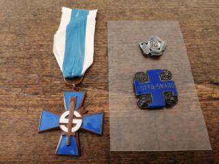 Sininen risti ja Lottamerkkejä