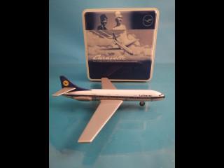 Lentokone pienoismalli 1960 luvulta