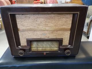 Philips radio alkuperäinen laatikko mukana