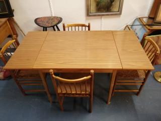 1950 Luvun Tanskalainen pöytä ja neljä tuolia