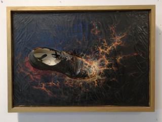 Kollaasi Jukka Saarinen, Saarisen kenkä
