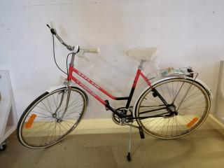Tunturi Polkupyörä käyttämätön/Uusi 28 tuumainen ja 3 vaihteinen
