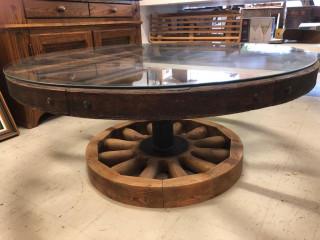 Tykinpyöristä tehty pöytä