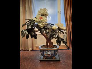 Cloisonne ruukku ja lasinen kukka