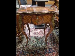 Peilikonsoli pöytä Louis XIV