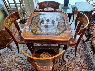 Louis XIV Pelipöytä ja neljä tuolia