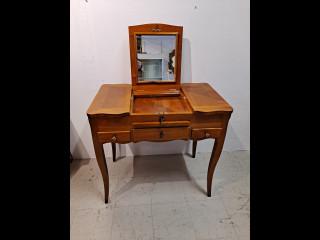 Marie-Antoinette  Kampauspöytä