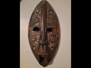 Afrikkalainen naamio puu/metalli
